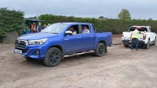 Download Toyota hilux vs ford ranger tug of war ! Video