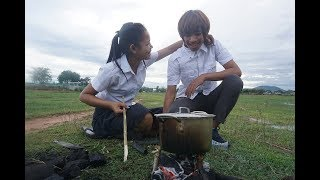 Download Technology Cooking,Two Student Cooking Snail and eating,Delicious Cooking Food Snail Video