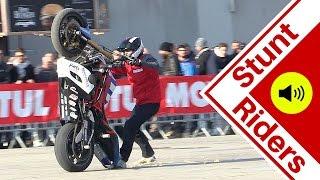Download Motorcycle Stunt Show - CRAZY tricks - Motor Bike Expo 2016 Video