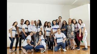 Download No Rio, estudantes conhecem sobrevivente do Holocausto para aprender sobre a 2ª Guerra Video