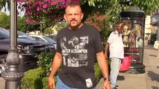 Download Chuck Liddell Says Floyd Mayweather Has 'Got To Knock Conor McGregor Out Early To Make A Statement' Video
