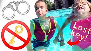 Download HANDCUFF CHALLENGE in Swimming Pool Gone Wrong 😱 LOST KEY! Video