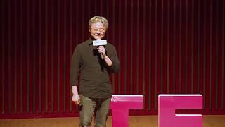 Download 文字的變形金剛-文學生活化 | 寒袖 路 | TEDxDadun Video