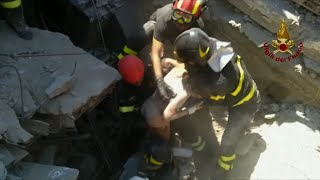Download 3 Brothers Rescued from Italian Quake Video