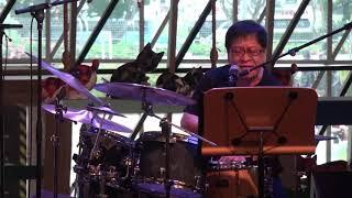 Download Louis Soliano performs at Esplanade Concourse Video