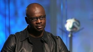 Download Lilian Thuram : ″il n'est pas normal que le football n'ait pas encore trouvé la solution au... Video