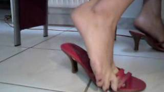 Download dipping/shoe play/dangling with my red sexy shoes=) Video