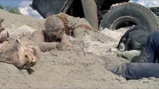 Download The Walking Dead - Tara and Heath get separated. Video
