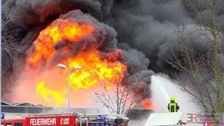 Download [GROSSBRAND MIT EXPLOSIONEN IN MOERS] - Massive Rauchentwicklung & Feuerbälle | Großeinsatz - Video