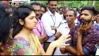 Download She Came, She saw, She conquered | Anupama I.A.S. Solved Highway Siege Issue | T.C.V. Kodungallur Video
