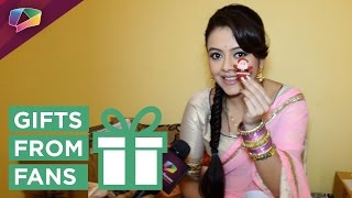 Download Devoleena Bhattacharya receives gift from fan Video