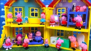 Download PEPPA PIG STORY - PEPPA PLAYS AT THE MUDDY PUDDLE BUT SOMETHING GOES WRONG AND GETS MULTIPLY Video