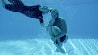 Download Training to Survive Deadly Waves - Red Bull Cape Fear 2015 Video