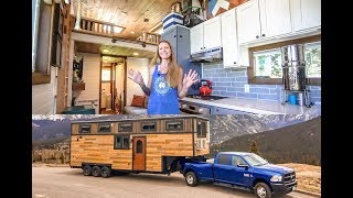 Download Family of 4 & Their STUNNING 5th Wheel Tiny Home ~ Totally Custom Build Video