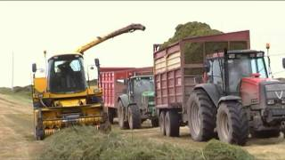 Download SILAGE WITH WHITES IN TOURNAFULLA Co. LIMERICK 2011 Video