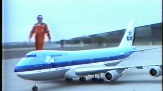Download Boeing 747 RC model First Flight Video