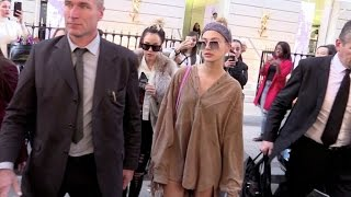 Download Model Hailey Baldwin on a shopping spree in Paris Video