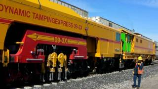 Download Union Pacific - 09-3X Dynamic Tamping Express - 3/16/10 (HD) Video