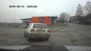 Download Rēzeknē meklēšanā esošs vīrietis bēg no policijas Video