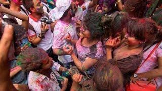 Download Happy Holi 2017 in Bangladesh (Shakhari Bazar Old Dhaka) Part 03 Video