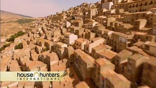 Download James Higginson buys a house in Sicily- HHI episode- One Euro House in Gangi, Sicily Video