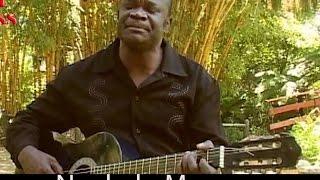 Download Fr Mulumba Diulu dans Ngakolu Moyo Video