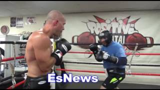 Download fighter 150 pounds sparring fighter 230 pounds - EsNews Boxing Video