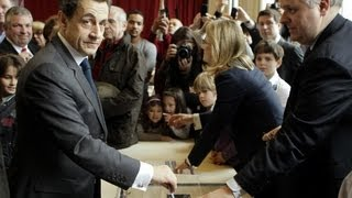 Download Nicolas Sarkozy loses presidency to François Hollande. Video