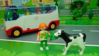 Download Мультики для детей с игрушками -Прогулка по ферме. Video