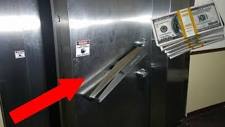 Download FOUND MONEY EXPLORING ABANDONED BANK! (MONEY VAULT) Video