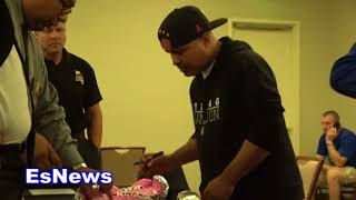 Download ((MUST SEE)) Behind The Scenes Robert Garcia Picking Gloves For Abner Mares .mp4 Video