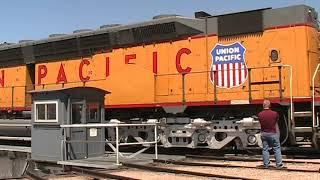 Download Worlds largest diesel locomotive on the Cheyenne turntable DD40X 6936. Video