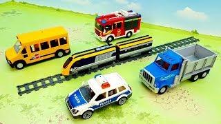 Download Пожарная машина Поезд Самосвал Полицейские машинки - видео для детей - fire truck train police toys Video