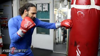 Download Keith Thurman kills the heavy bag w/EXPLOSIVE Power! Shows why he can ″KO everyone″ Video