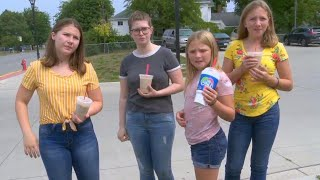 Download Michigan Girls Escape Suspected Kidnapper By Throwing Coffee at Him Video