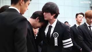Download The late Jonghyun SHINee Member 'Onew - Kee - Minho - Taemin' Tearful Whisper Procession Video