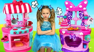 Download Sasha Chooses Profession and Сooks with Minnie and Kitty Kitchen Toy Set Video