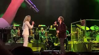 "Download Josh Groban featuring Jennifer Nettles, ""99 Years,"" Live at MSG, 18 November 2018 Video"