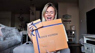 Download UNBOXING MY FIRST LOUIS VUITTON BAG Video