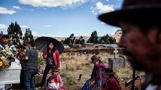 Download Desaparecidos en el Perú: un dolor personal y único - Nadia Shira Cohen Video