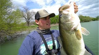 Download Catching GIANT Spring Bass (My NEW PB of 2018) Video