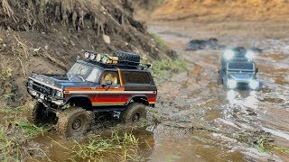 Download Traxxas TRX-4 Ford Bronco and Defender long muddy trail Video
