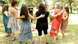 Download Turning to Peace, Danza Circular, en un parque en Santiago, enero 2017 Video