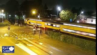Download Spoorboombeuker ontkomt aan de dood in Helmond Video
