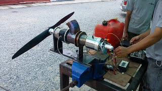 Download Small Turbo shaft swinging a large prop Video