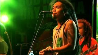 Download ENGKANTO - Tubig Alat (Bob Marley Day Manila 2014) Video
