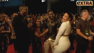 Download 'Extra' Raw! Twerking and Singing on the VMAs Red Carpet Video