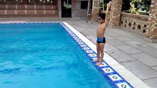 Download Gagan Sillag 7 yrs old perfect Underwater swimming learning technique Video