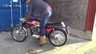 Download 1969 Ducati 350 Desmo started for the first time Video