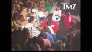 Download Toby Keith VS Drunk Guy Video